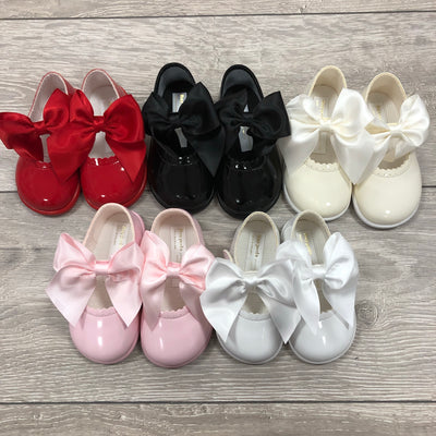 """Amelia"" Hard Sole Bow Shoes - Hetty's Baby Boutique"