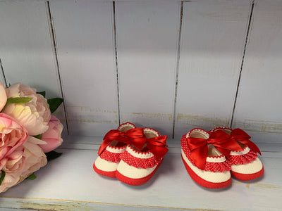 "'Minnie"" Red Dotty Pram Shoes - Hetty's Baby Boutique"