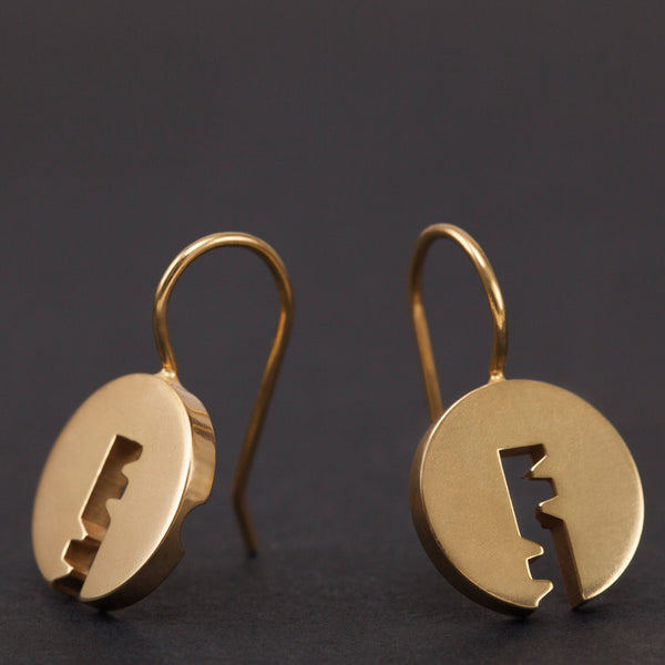 Small cylinder hanging earrings