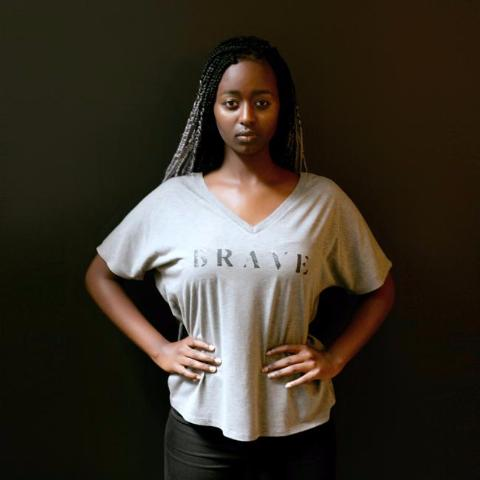 BRAVE SLOUCHY V TEE