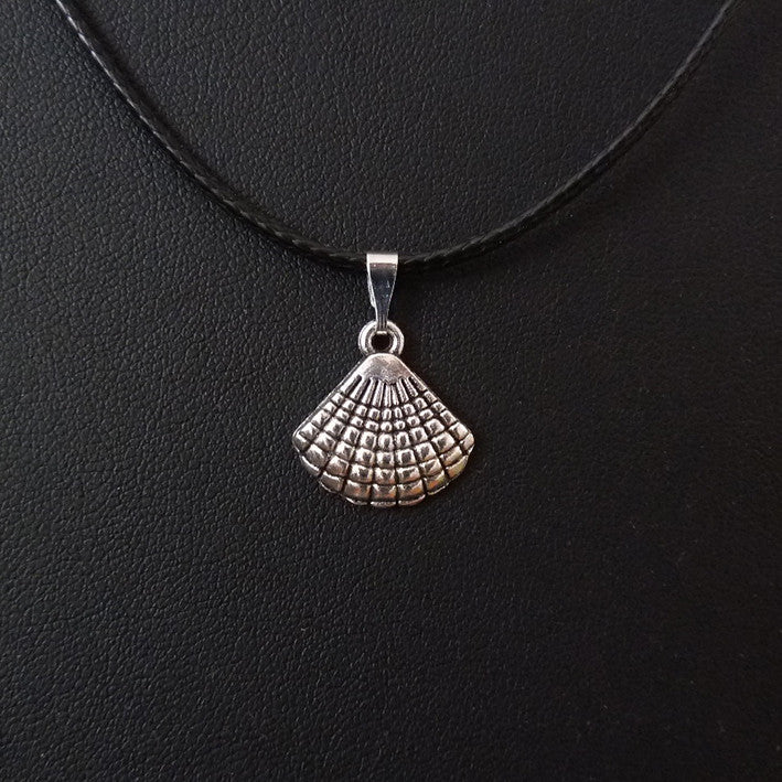Pendentif petite coquille st Jacques