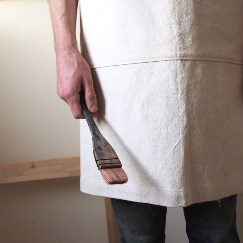 APRON IN NATURAL