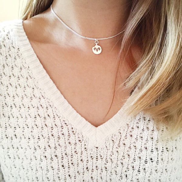 Hollow Zodiac Sign Chain Choker