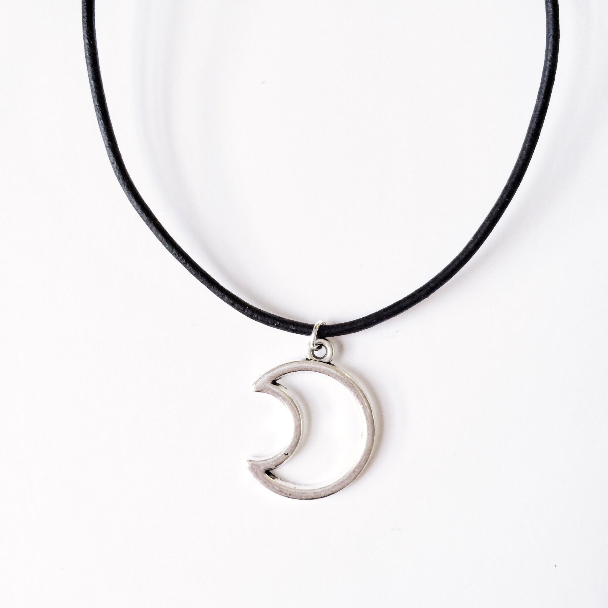 Hollow Moon Choker