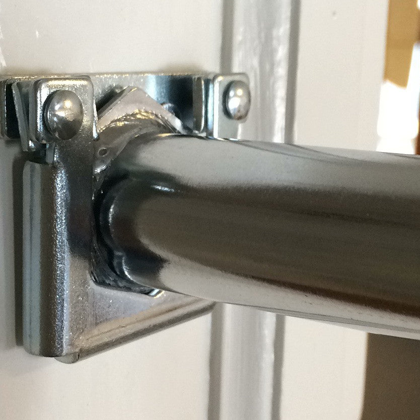 How to repair a door frame after uninstalling indoor swing