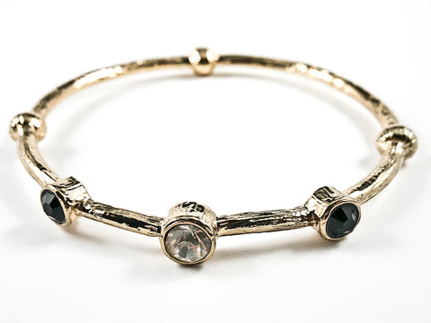 Unique Wood Textured Like Style With Round Clear & Black Crystal Pattern Gold Tone Fashion Bangle