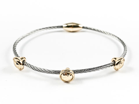 Modern Thin Cable Wire Band With 3 Piece Gold Tone Round Hammered Textured Disc Magnetic Brass Bangle