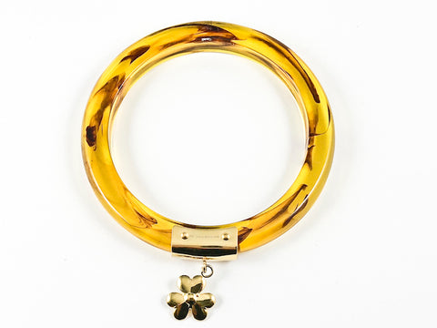 Unique Tortoiseshell Design Bangle With Gold Tone Shamrock Floral Charm Steel Bangle