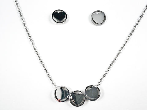Nice Shiny Metallic Round Shape Center Heart 3 Piece Pendant Design Earring Necklace Set Steel