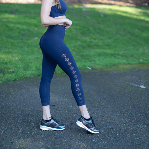 High Waist Seamless Blue Scallop Leggings