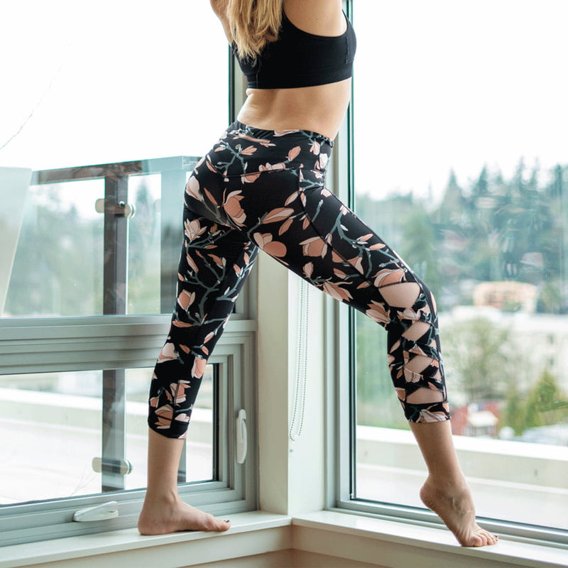 Magnolia High Waist Weave Capri Leggings