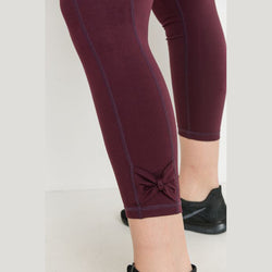 Plus Size Burgundy Bow Accent Side Pockets Leggings