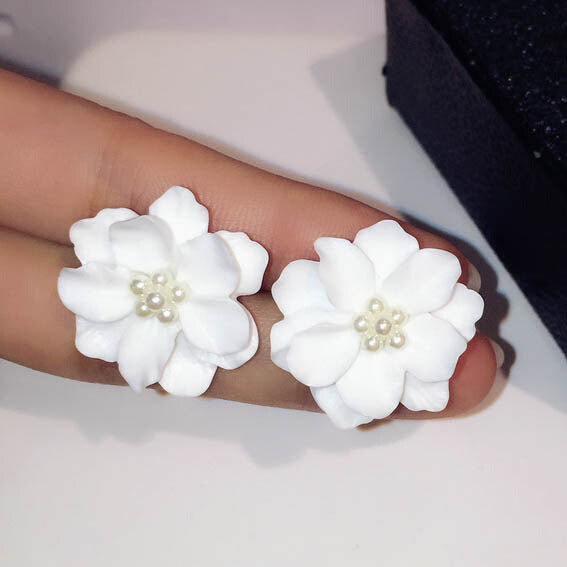 White Flower Earring - CrazyPassionateAbout.com