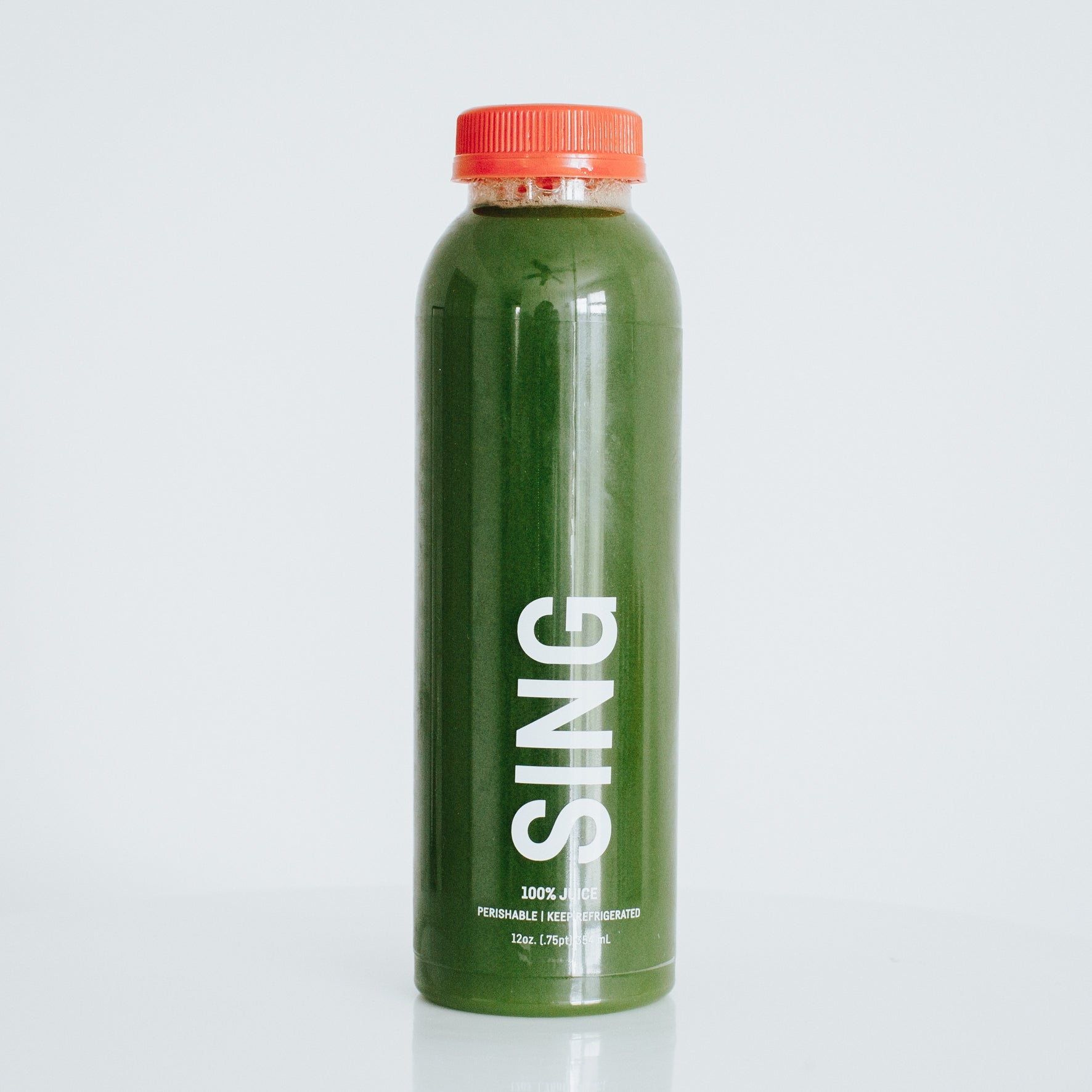 sing. [spinach, kale, green apple, lemon]