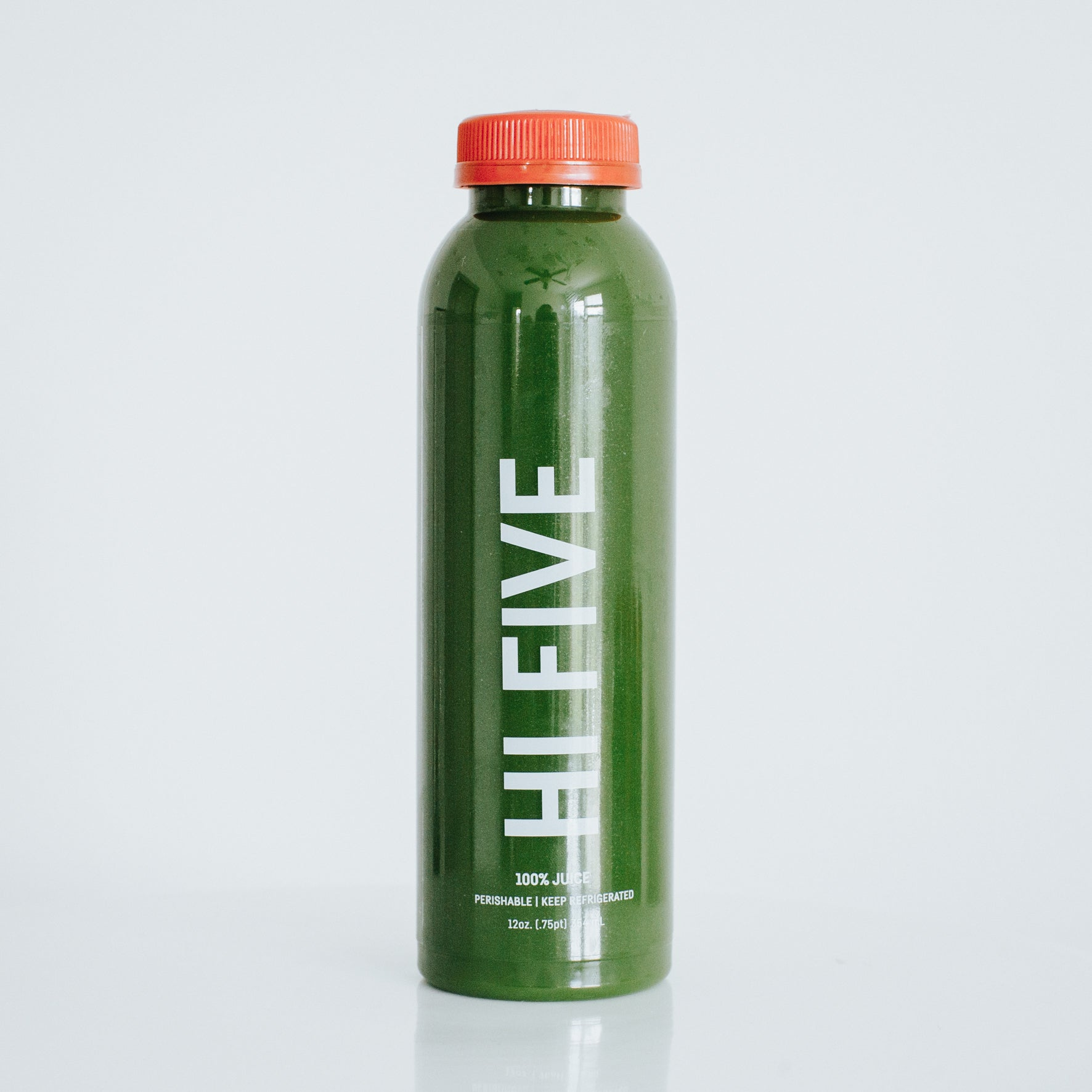 hi five. [spinach, cucumber, romaine, celery, parsley]