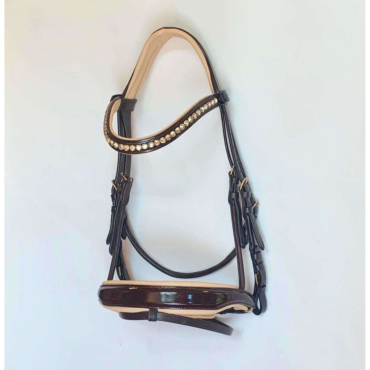 """Chelsea"" Brown Patent Anatomical Snaffle Bridle Almost Perfect"