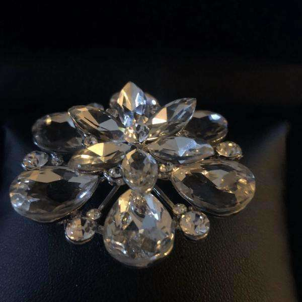 Luxury 2-Tier Crystal Flower Pin