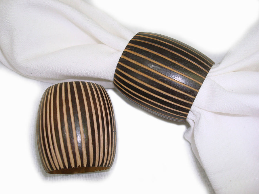 Set of 4 Wood Swirl Napkin Rings 2 x 2 x 1.5