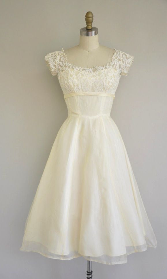 White Sweet Lace Noble Chiffon Homecoming Dress, Short Prom Dress