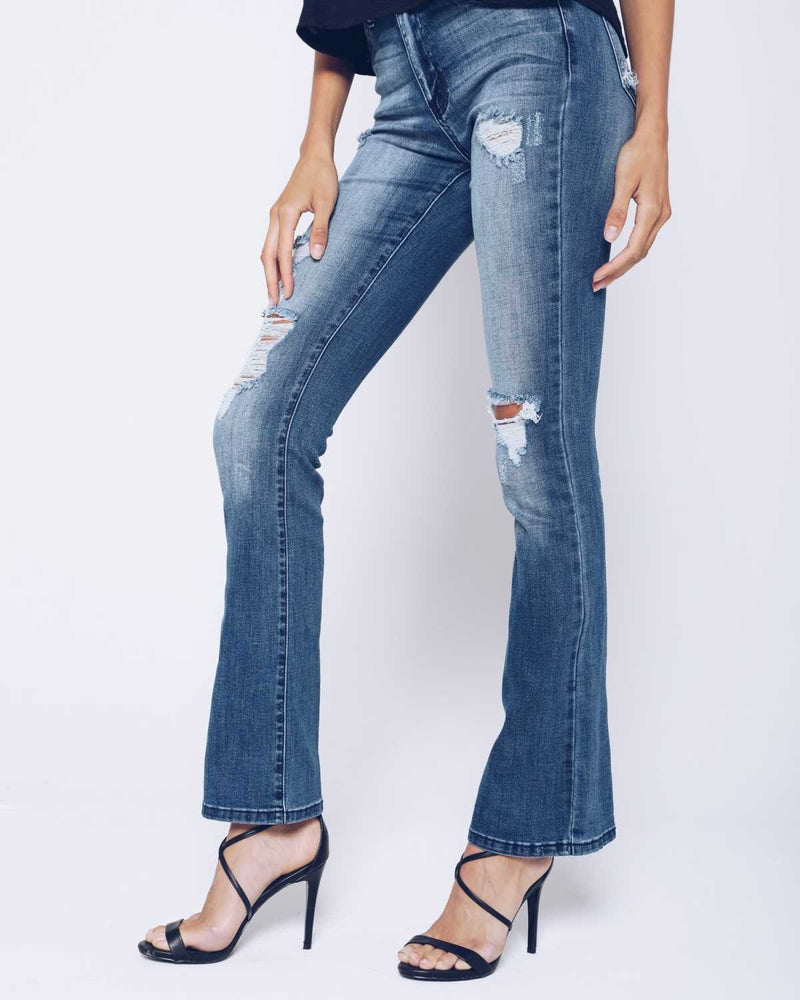 Fall Into The Fashion Of Flare Jeans For Women