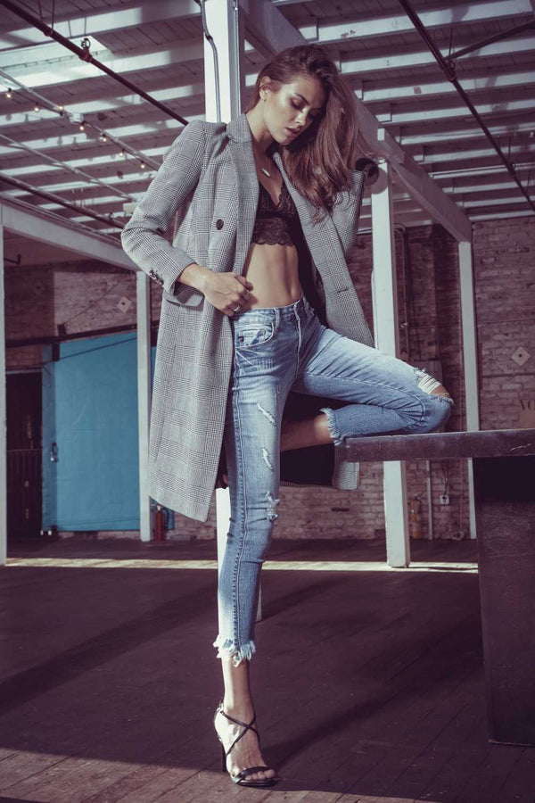 Latest Styles of Ripped Jeans for Women