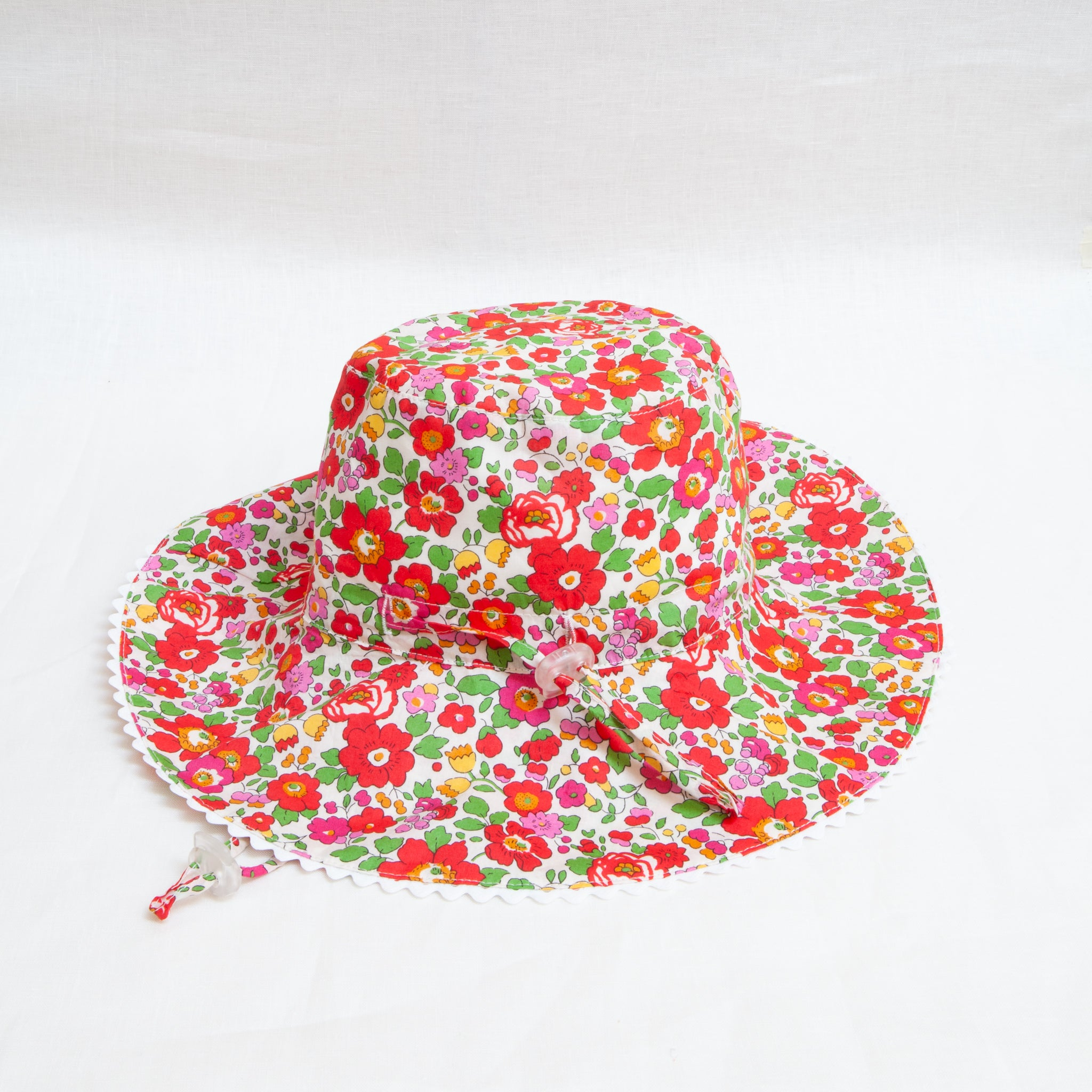 Charlie Bucket Hat Liberty Red Betsy