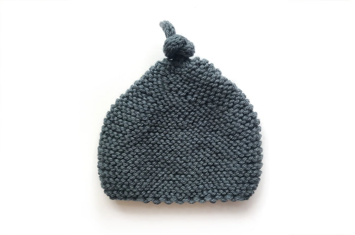 Knitted by Nanna Beanie Slate
