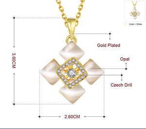 Open image in slideshow, 18k gold plated quartz necklace