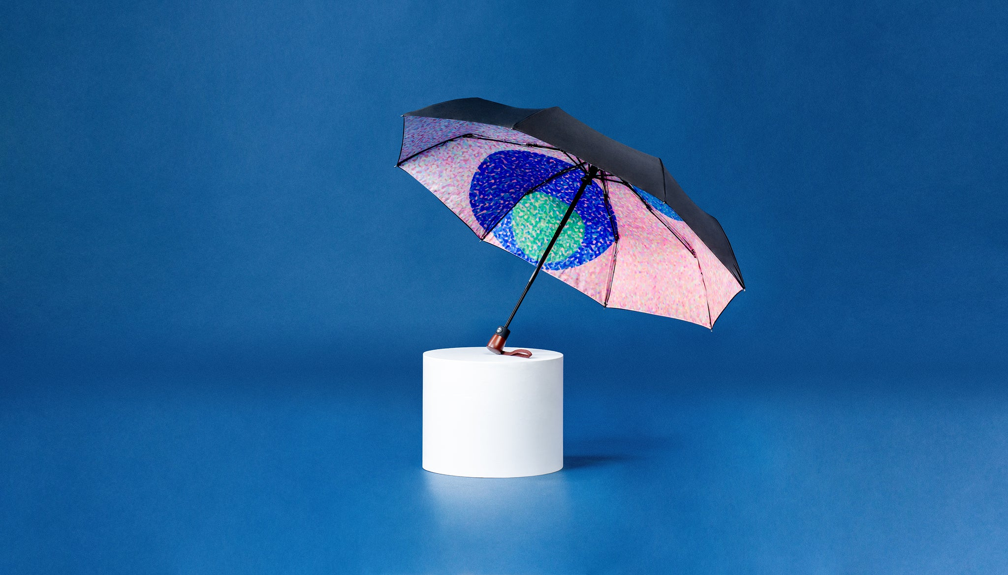 Premium Art Umbrella from Sweden / Design paraply från Stockholm / online product available / free delivery / DOTS - compact Art Umbrella, present box - zontjkdesign