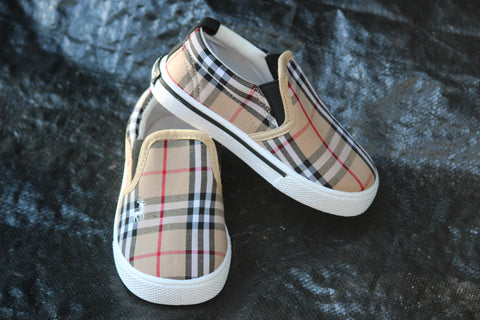 Burberry Shoes - Crocodile Clothing