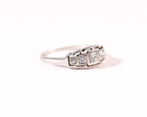 Bague platine cinq diamants