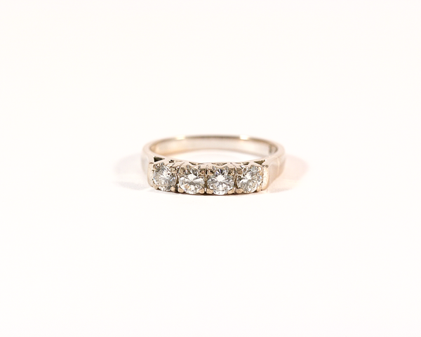 Bague quatre diamants