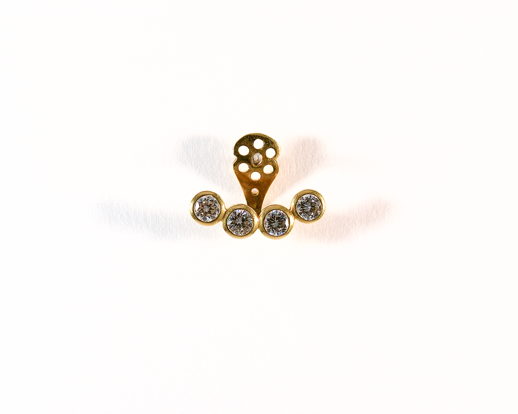 Motif d'oreille or jaune et diamants