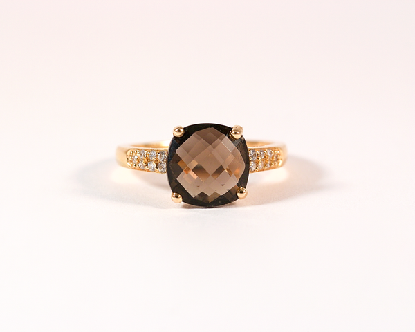 GM250 ICYMI Bague en or rose ornée d'un quartz fumé à facettes et diamants / Gold smoky quartz and diamond ring