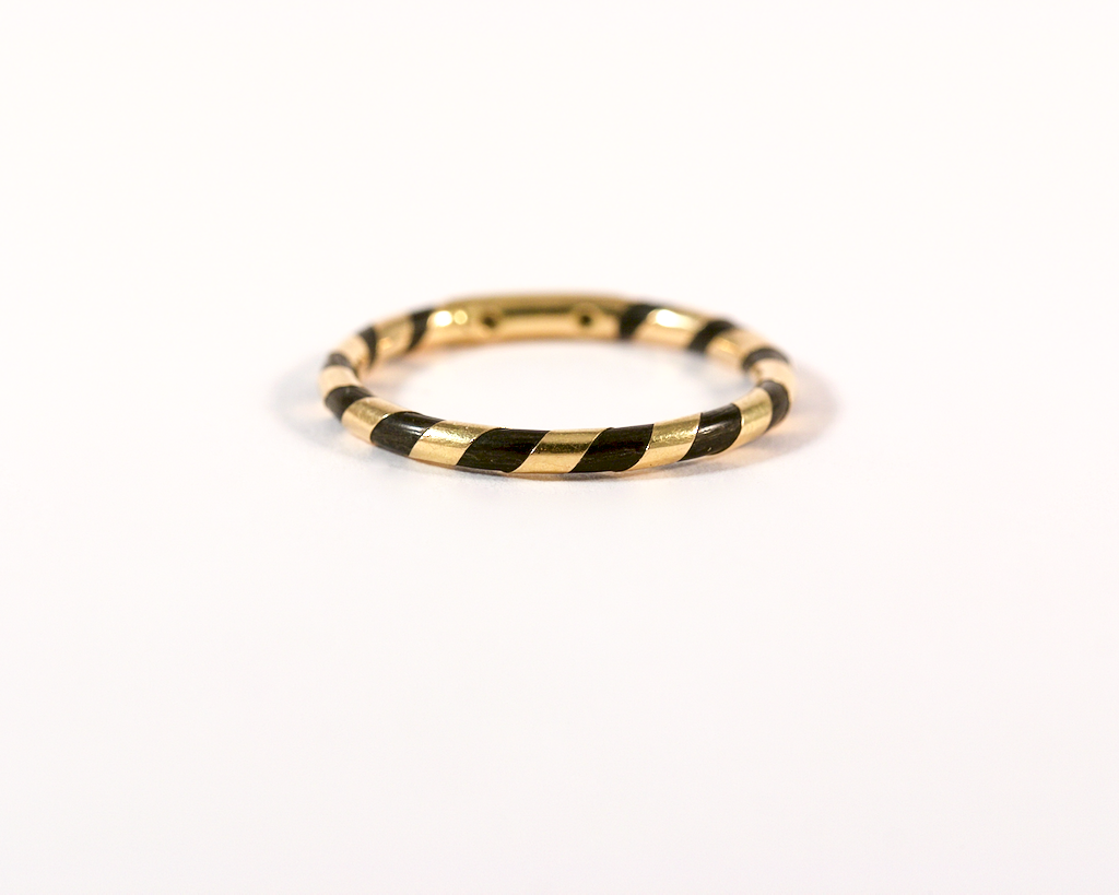 GM274 ICYMI Alliance anneau ancien or jaune et poil d'éléphant / Gold and elephant hair band ring antique vintage