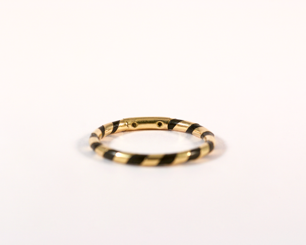 GM274 ICYMI Alliance anneau ancien or jaune et poil d'éléphant / / Gold and elephant hair band ring antique vintage