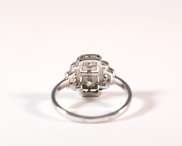 GM275 ICYMI Bague ancienne années 30 art déco or gris diamants do/ / Gold vintage antique 1930's art déco diamond ring
