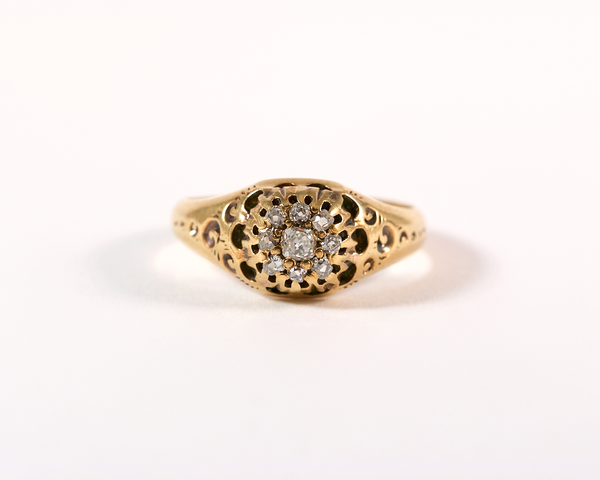 GM277-1 ICYMI Bague ancienne or jaune dôme marguerite diamant taille ancienne / Gold antique vintage diamond old cut ring