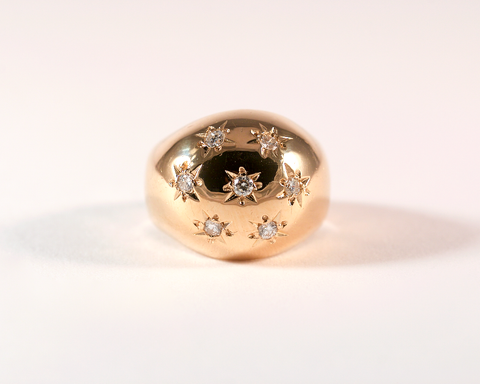 GM284-2 ICYMI Bague ancienne boule en or jaune pavée de diamants en serti étoilé / Antique vintage gold and star set diamond ring