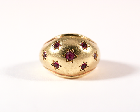 GM292-1 ICYMI Bague ancienne boule or jaune et pierres rouges / Gold and red stones dome vintage antique ring