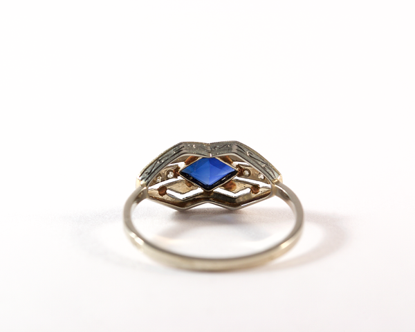 GM295-3 ICYMI Bague ancienne or platine diamant et pierre bleue losange / Gold platinum diamond and blue glass vintage antique ring