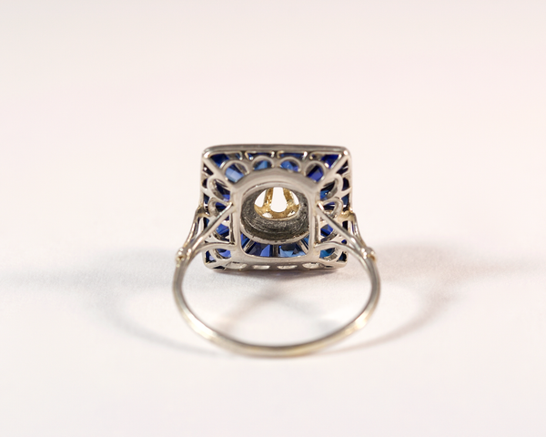 GM308-2 ICYMI Bague ancienne 1930 or platine saphirs calibrés et diamant face - Gold platinum sapphire and diamond vintage antique ring