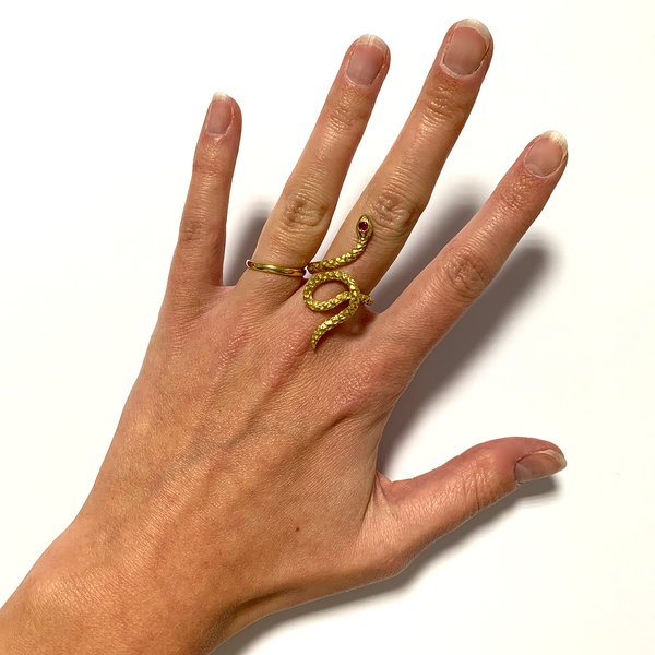 GM311 ICYMI Bague ancienne serpent or jaune et rubis / Gold and ruby snake vintage antique ring