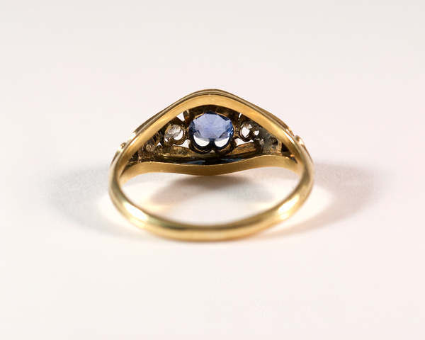 GM321 ICYMI Bague ancienne or jaune pierre bleue diamant émail profil - Gold vintage antique blue stone diamond and enamel ring