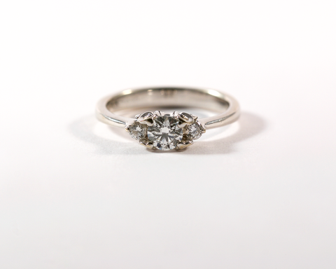 GM328-2 ICYMI Bague ancienne or gris diamants trinity - gold antique vintage diamond trinity ring