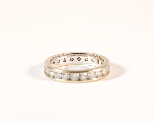 GM360bis ICYMI Alliance or gris et diamants serti rail - gold and diamond rail setting wedding eternity ring