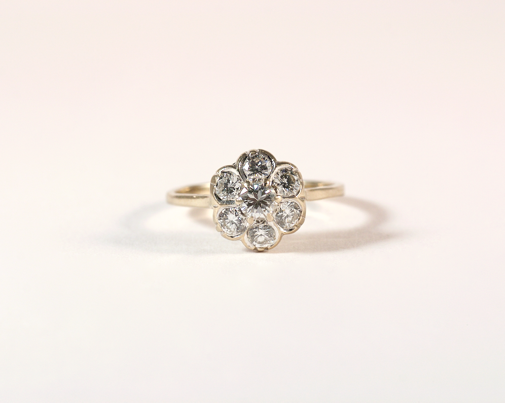 GM404 ICYMI Bague ancienne marguerite or gris et diamants - Vintage antique gold and diamond entourage cluster ring