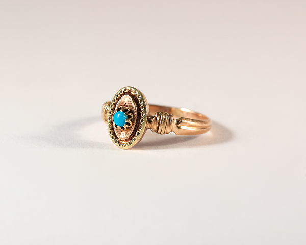 GM410-1 ICYMI Bague ancienne trois ors et cabochon de turquoise - Vintage antique three colored gold and turquoise ring