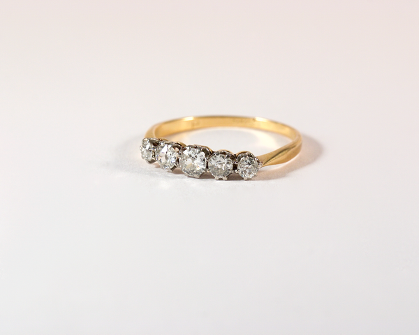 GM423 ICYMI Bague ancienne jarretière or jaune platine diamants taille ancienne - Gold platinum and old cut diamond garter vintage antique ring
