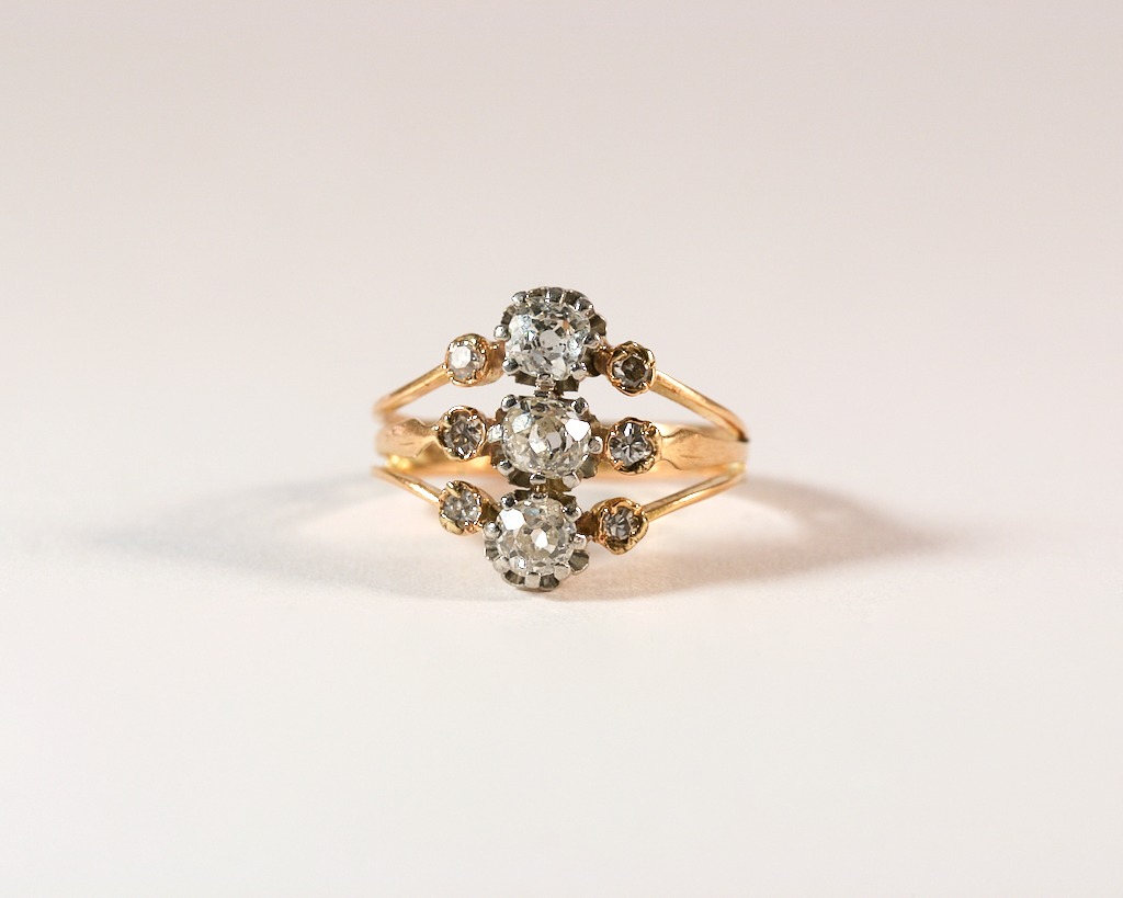 GM430-1 ICYMI Bague ancienne or jaune platine et diamants taille ancienne - Gold platinum and old cut diamonds vintage antique three band ring